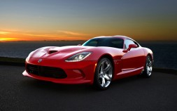 2013-SRT-Viper-front-three-quarter-red-1024x640